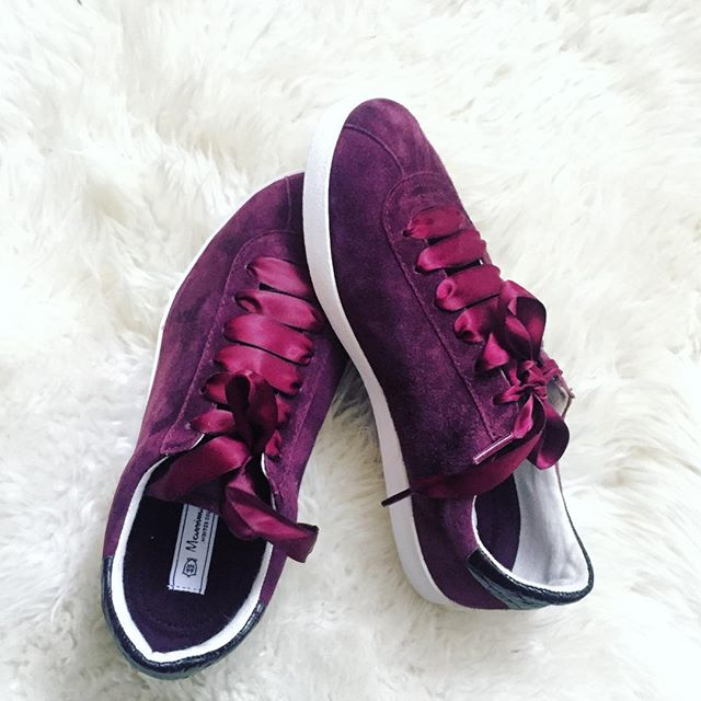 Suede Sneakers. Massimo Dutti