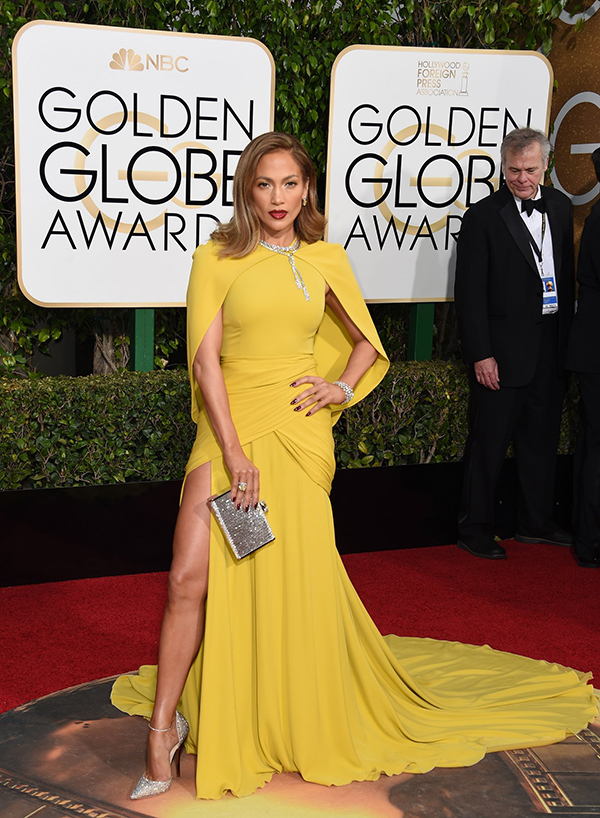jennifer-lopez-golden-globes-2016 giambattista valli couture, jimmy choo