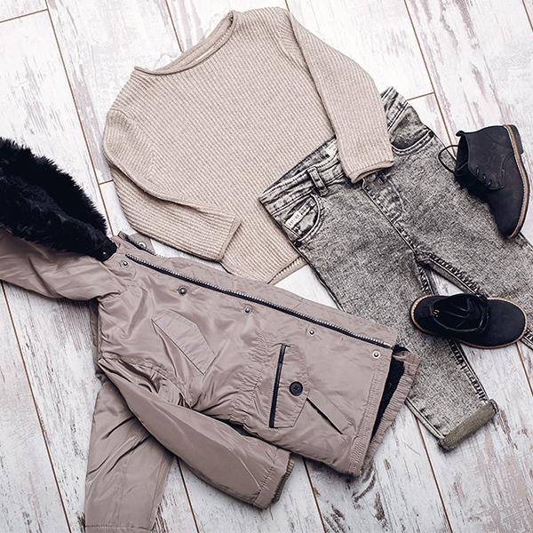 khaki Arman outfit