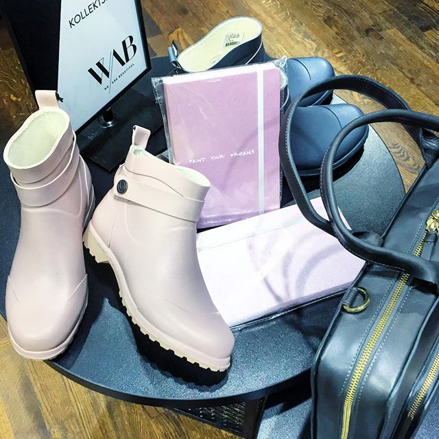 wab tallinn pink boots