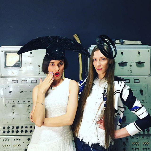 blogger and designer talking about ERKI fashion show 2016