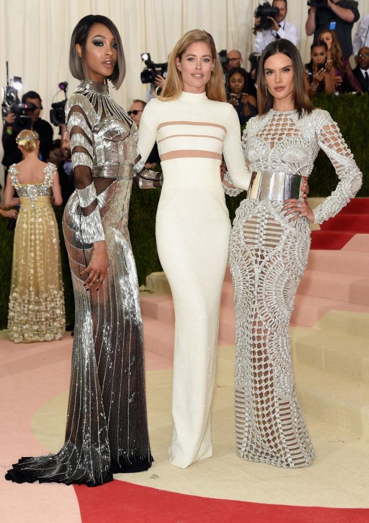 jourdan-dunn-doutzen-kroes-alessandra-ambrosio balmain dresses