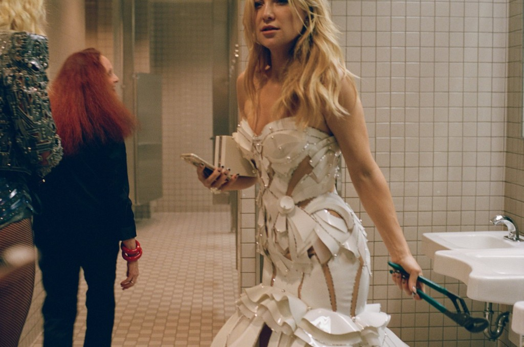 met-gala-bathroom-cass-bird-081