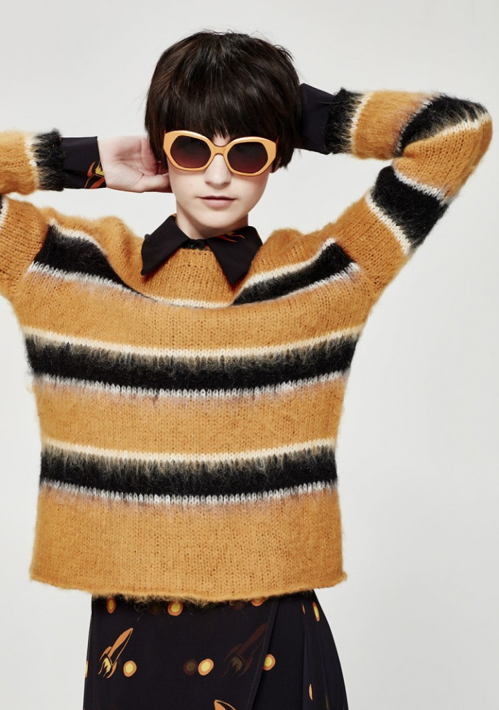 So-Wrong-Its-Striped-jumper-750x1065