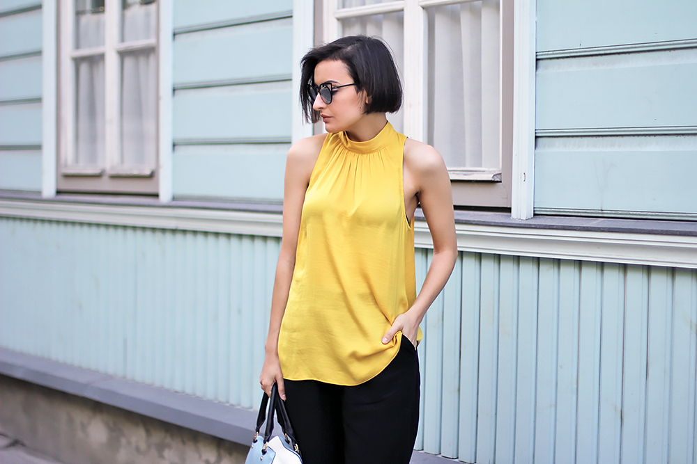 yellow black outfit 7