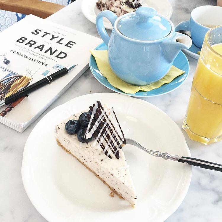 cake at kohvik komeet