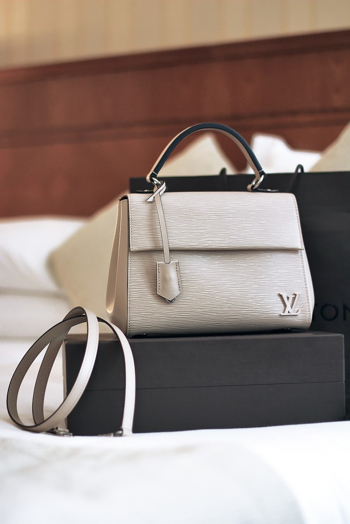 LV bag Cluny MM 5