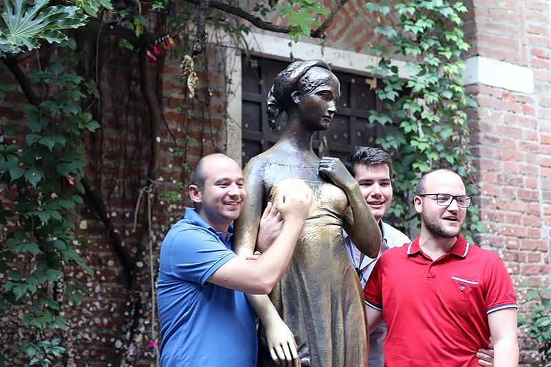 Lucines Blog Verona summer Juliet's Statue