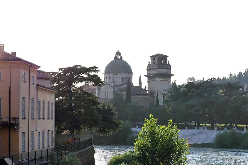 Lucines Blog Verona summer Ponte Pietra. Verona