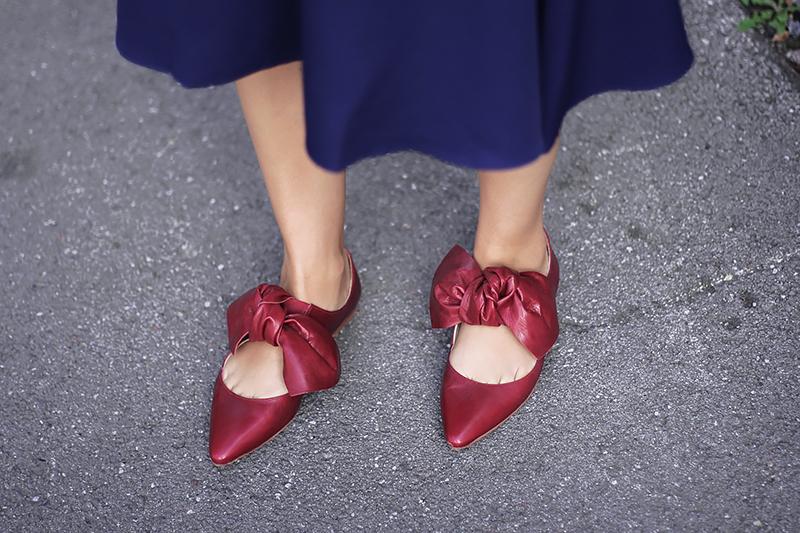 blue-skirt-red-pumps-5