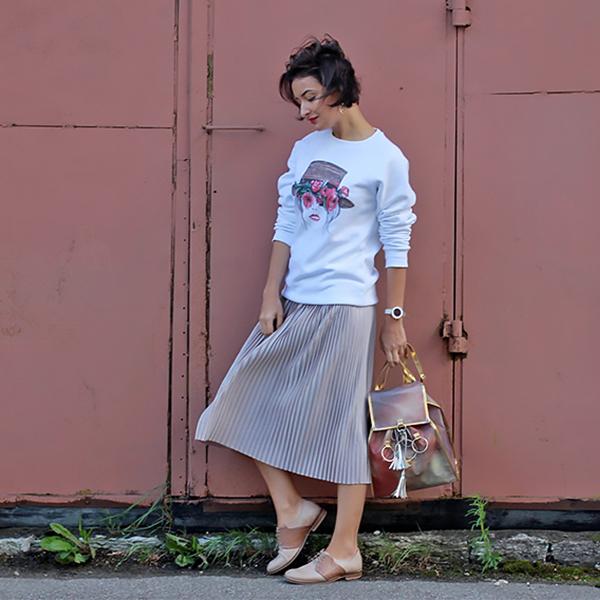 silver-skirt-sweatshirt