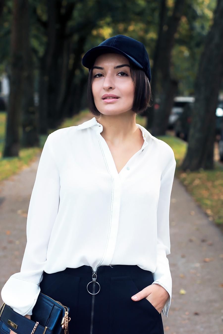 blue-outfit-cap-3