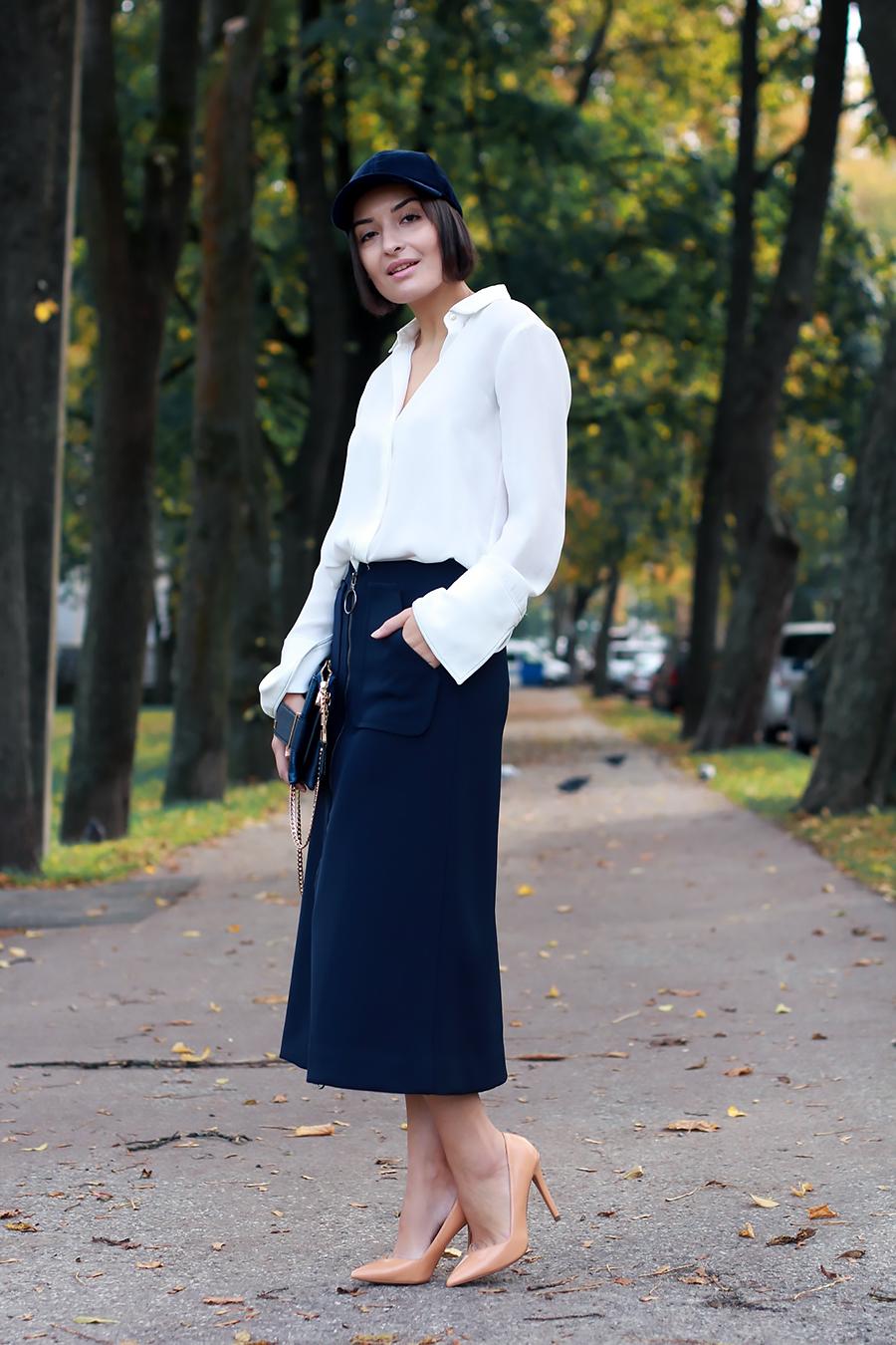 blue-outfit-cap-4