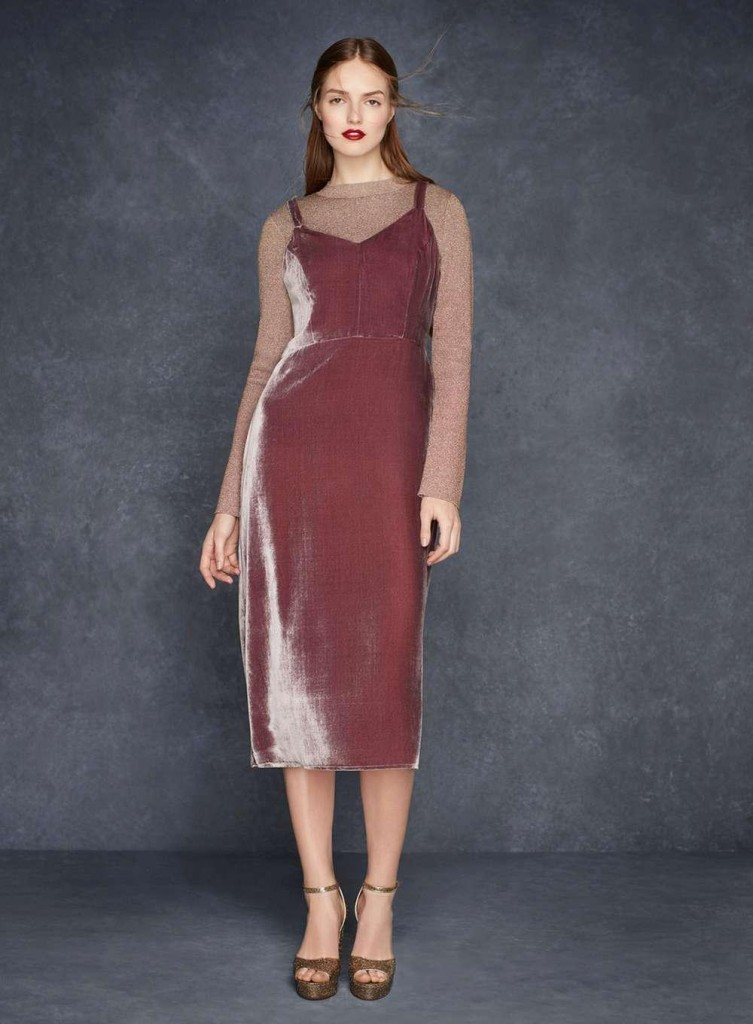 velvet dress What to Wear This Holiday Season?
