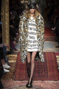 FALL 2016 READY-TO-WEAR Moschino