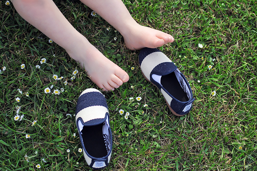 Flossy shoe family 8