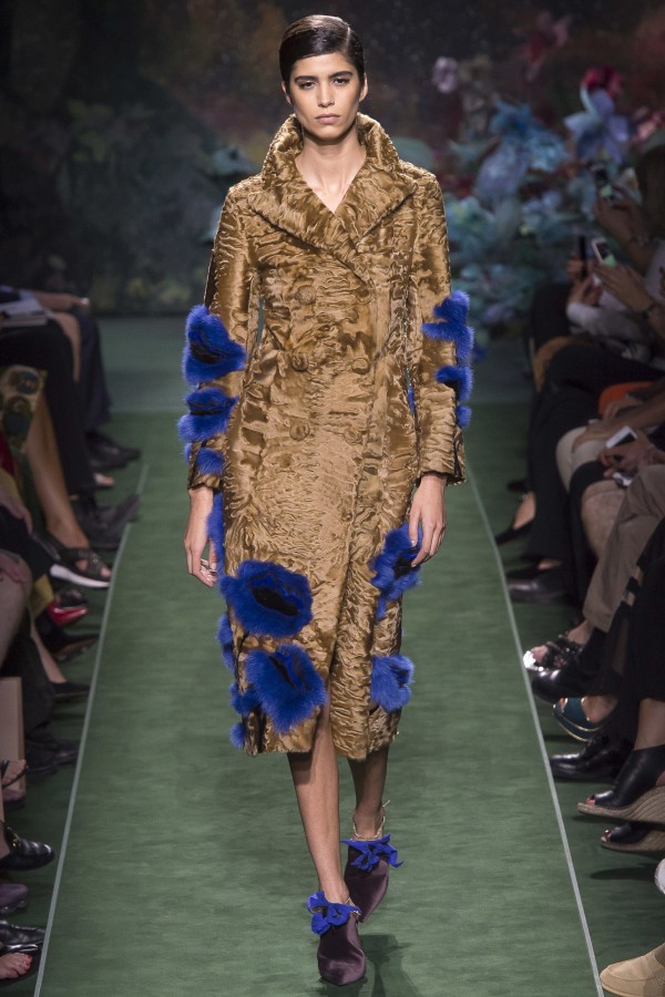 FALL 2017 COUTURE Fendi1