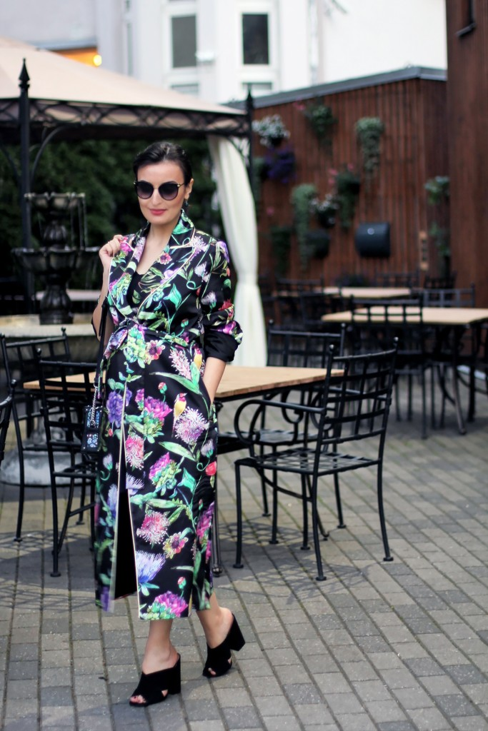 Floral robe outfit 1