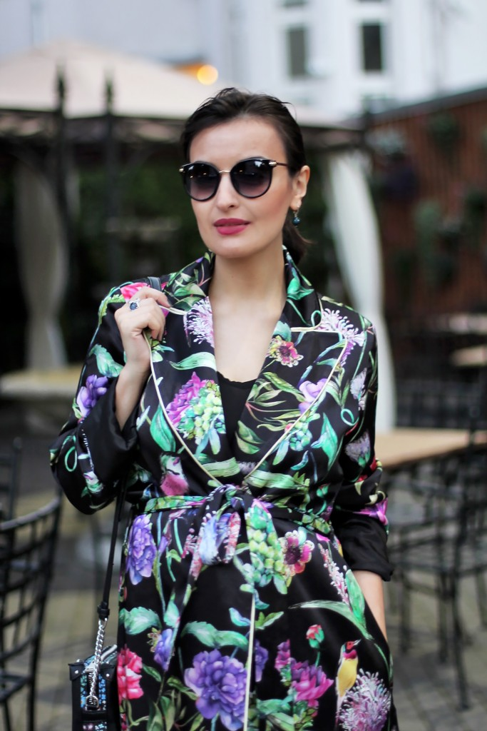 Floral robe outfit 2