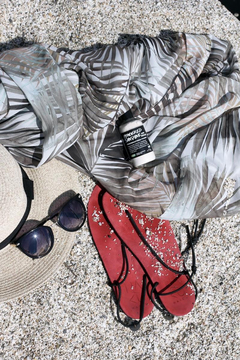H&M beach outfit 1