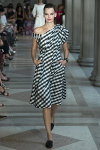 SHOP THIS LOOK SPRING 2017 READY-TO-WEAR Carolina Herrera