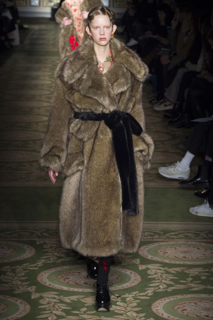FALL 2017 READY-TO-WEAR Simone Rocha