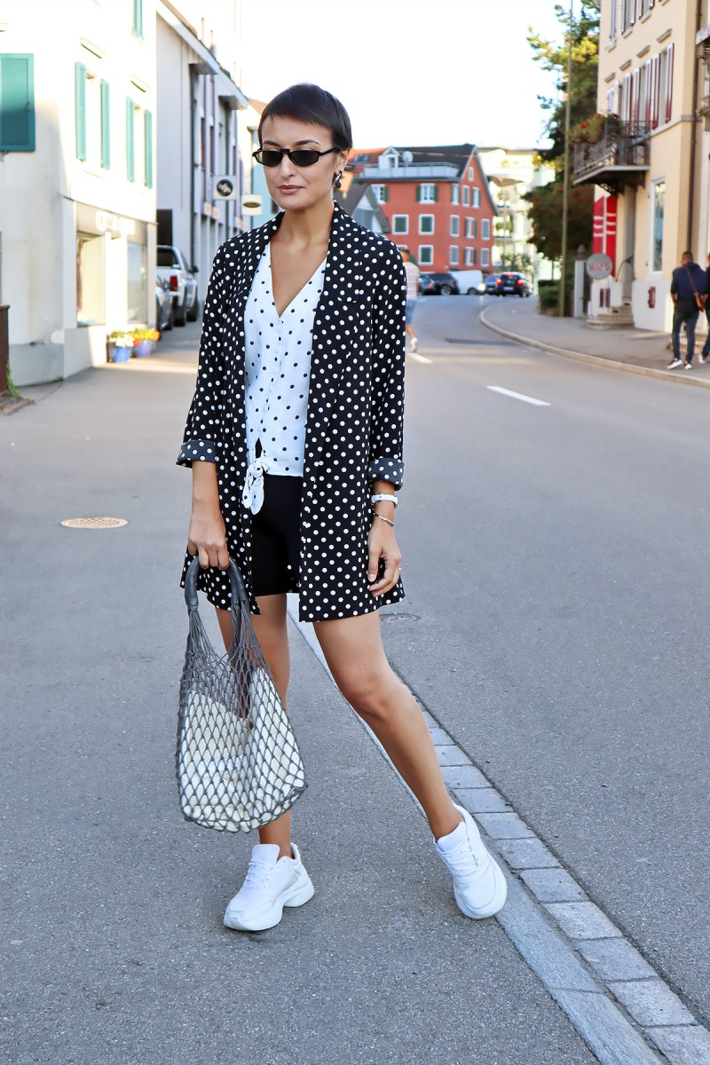 Dotted outfit x cyclong shorts 1