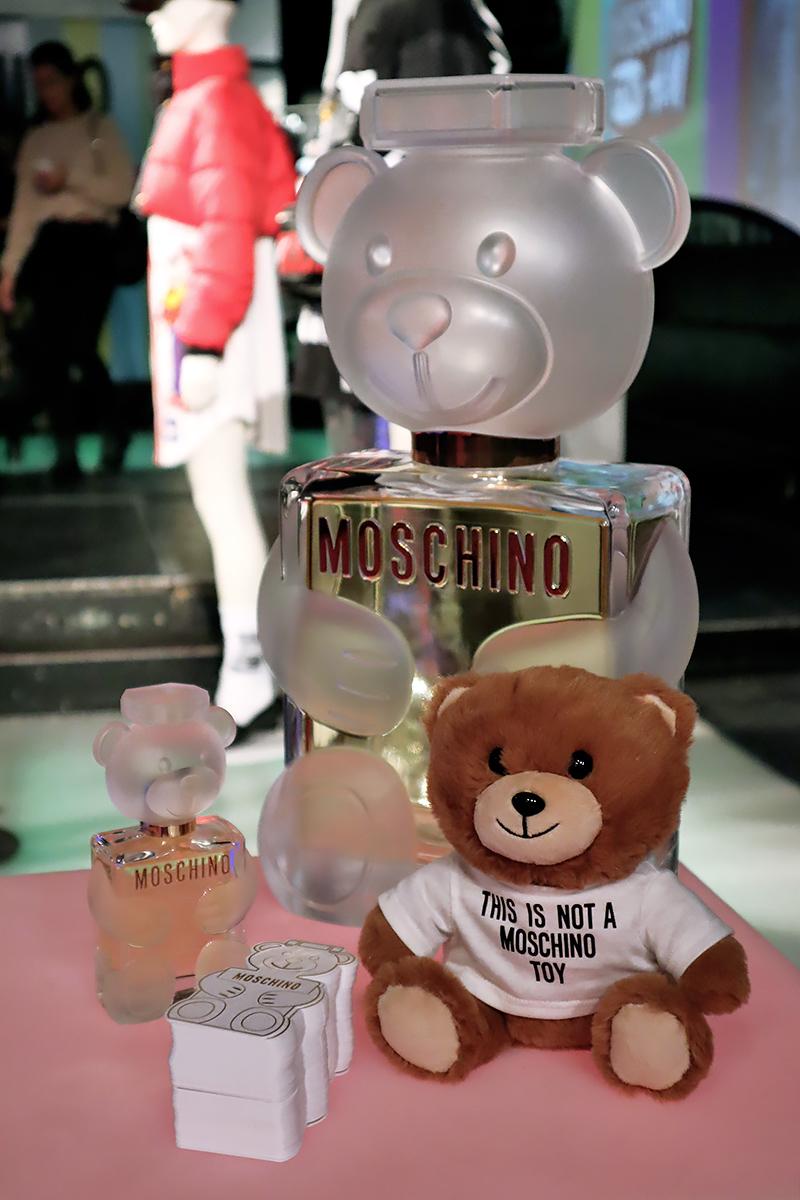 H&Moschino 18