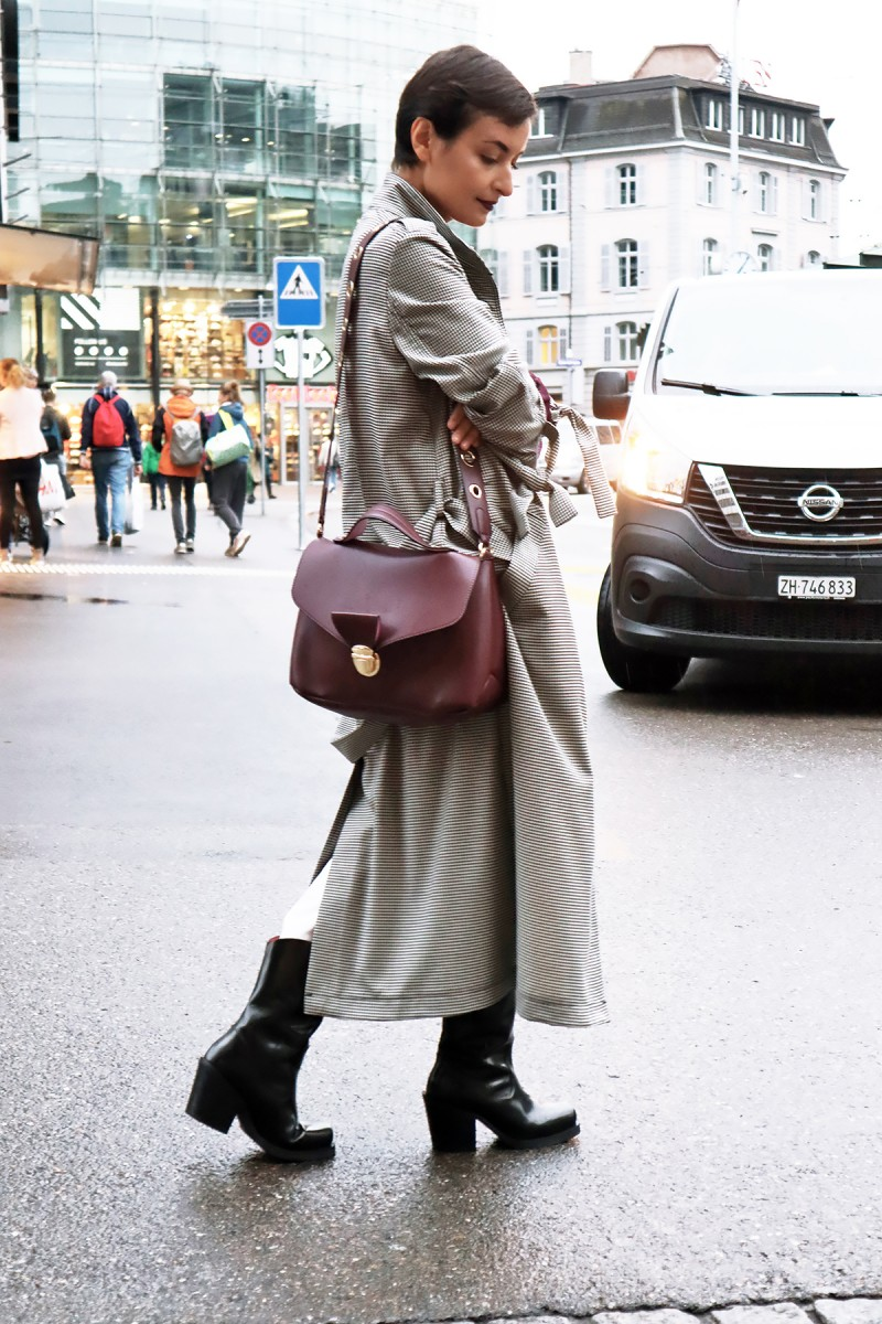 Check trench coat Zurich 3
