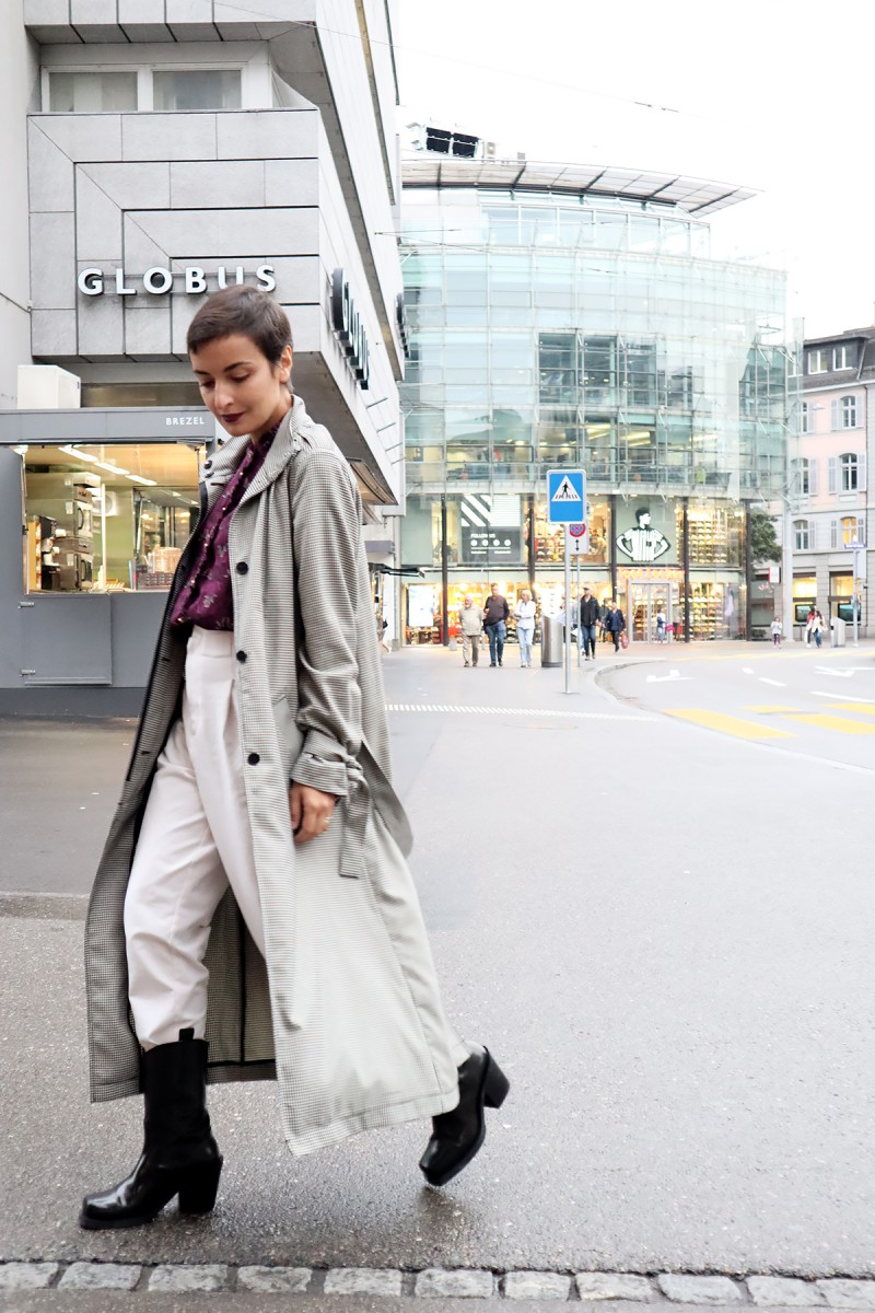 Check trench coat Zurich 4