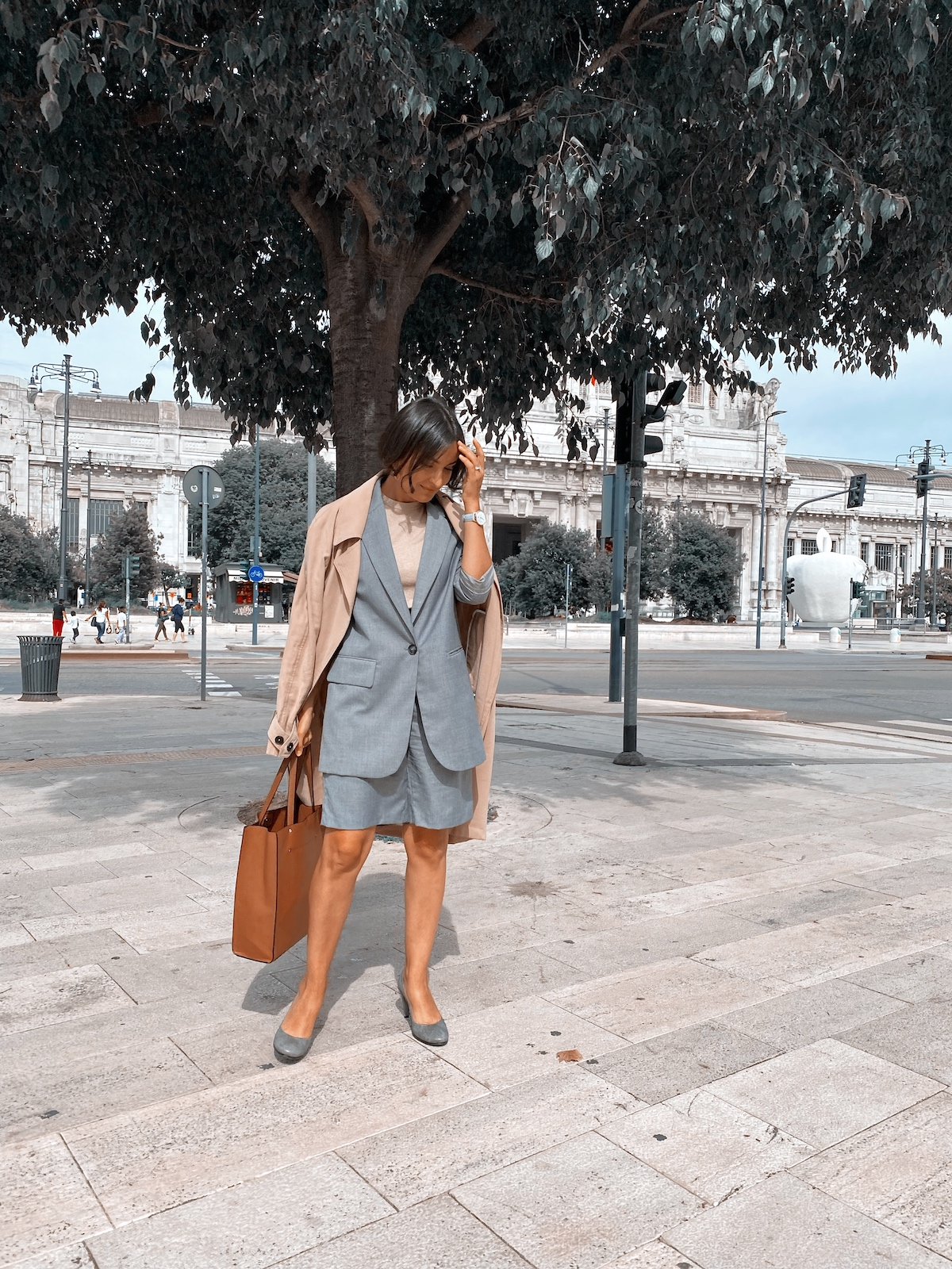 Grey suit with shorts Lucine